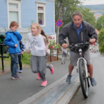 #NorthVan mayor @DarrellMussatto travels to Norway on his own dime to test bike lift. Bravo! http://t.co/QjVFks3Tqg http://t.co/zFIDKDSDcG