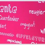 Frisches #Magenta Blut! Herzlich willkommen zur Ausbildung bei der #DeutschenTelekom! #telekomwall #WelcomeDay http://t.co/57AANKl8WZ