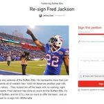Thousands sign online petition asking #Bills to re-sign @Fred22Jackson http://t.co/JOiQJOQyBQ http://t.co/Ox2IlFaPDx