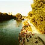 So lieben wir #München. Grün und für die Menschen. LetzterHeißerSommertag? http://t.co/7tuAjAzfD5