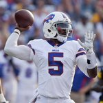 The Buffalo Bills have named Tyrod Taylor their starting quarterback http://t.co/hVQjSLqkxd http://t.co/Gwdl5LL5TS