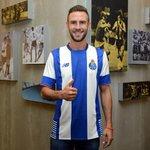 Gracias @FCPorto por creer en mi, espero que disfrutemos mucho esta temporada juntos! http://t.co/B61pWgqDKF