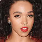 You can use @UrbanDecay liner to achieve @FKAtwigs sultry VMAs look! (cc: @StoryOfMaiLife) http://t.co/XgqV1AYEOf http://t.co/vM5kSjIaBi