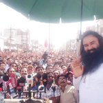 Lakhs of volunteers have gathered in Panipat to join #MSGSwachhBharat with great enthusiasm to serve the humanity! http://t.co/Wr4aIlk677