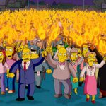 Arsenal fans outside Arsene Wengers house this morning. #DeadlineDay http://t.co/2ZEfB0M4Ct