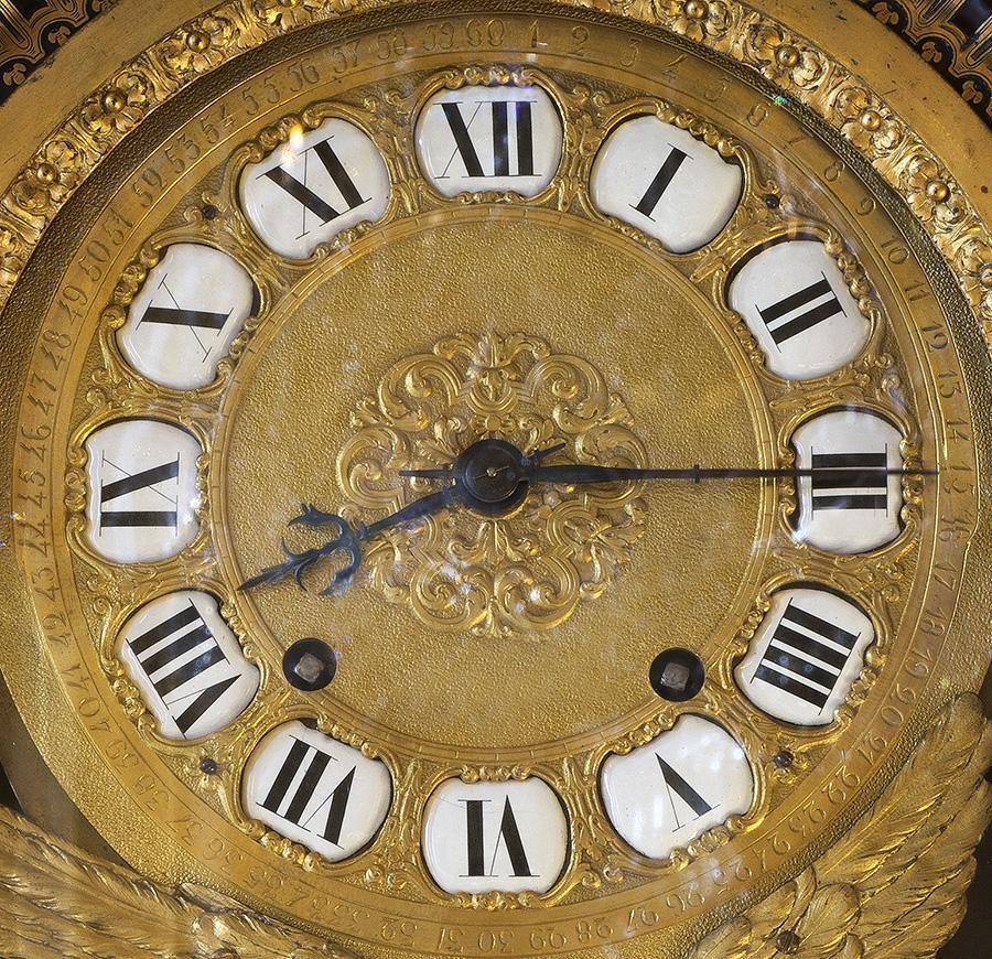 1715 - #Urgent #LouisXIV vient de mourir #LeRoiEstMort http://t.co/M1aDJNk9Tr