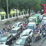10.49 @UPTMalioboro: lalin padat kendaraan di seputaran titik nol http://t.co/aLmEnb7Eh2