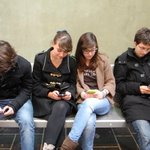 #LeJourDeLaRentree les secondes découvrent que le portable est autorisé dans létablissement http://t.co/2BcWP820cg