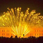 Sabato 12 Settembre alle 22.30, un incendio di suoni, luci e colori animerà la Reggia di Colorno... @CastelliDucato http://t.co/mbWqIpKa3Z