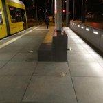 Nach nur 3 Tagen Betrieb wurde die neue @BVG_Tram Haltestelle am Hauptbahnhof an den Rest Berlins angepasst. http://t.co/CurpXp7pFB