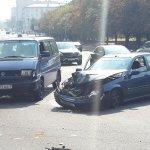 Авария возле БелЭкспо. У хонды перед в смятку. Судя по наклейкам какой-то гонщик догонялся @tutby @mc_maxim #twiby http://t.co/W8e3O9l3L0