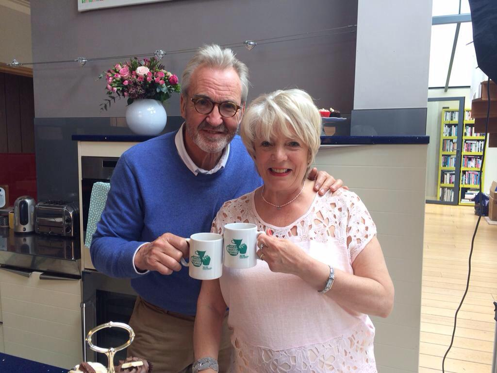 Alison & I ask you to #raiseamug to celebrate 25 years of @macmillancancer #CoffeeMorning http://t.co/sYdqufbIXA http://t.co/jwdqtcmAmn