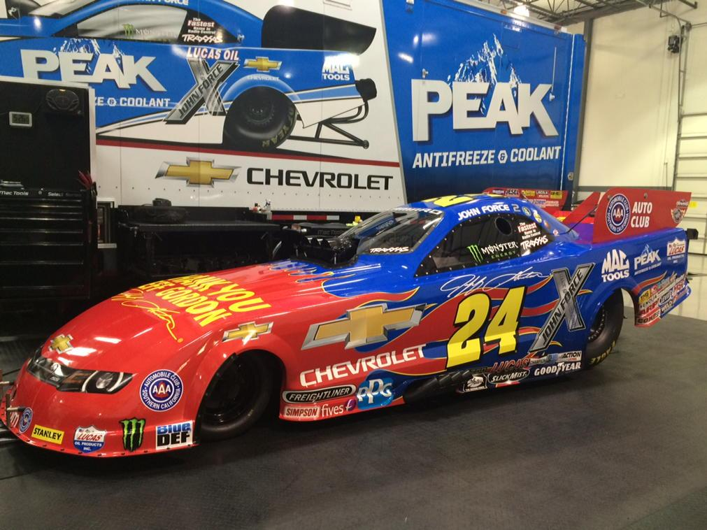 Check out the Jeff Gordon tribute @TeamChevy Camaro John Force will race this wknd http://t.co/IAXLDzGt0h