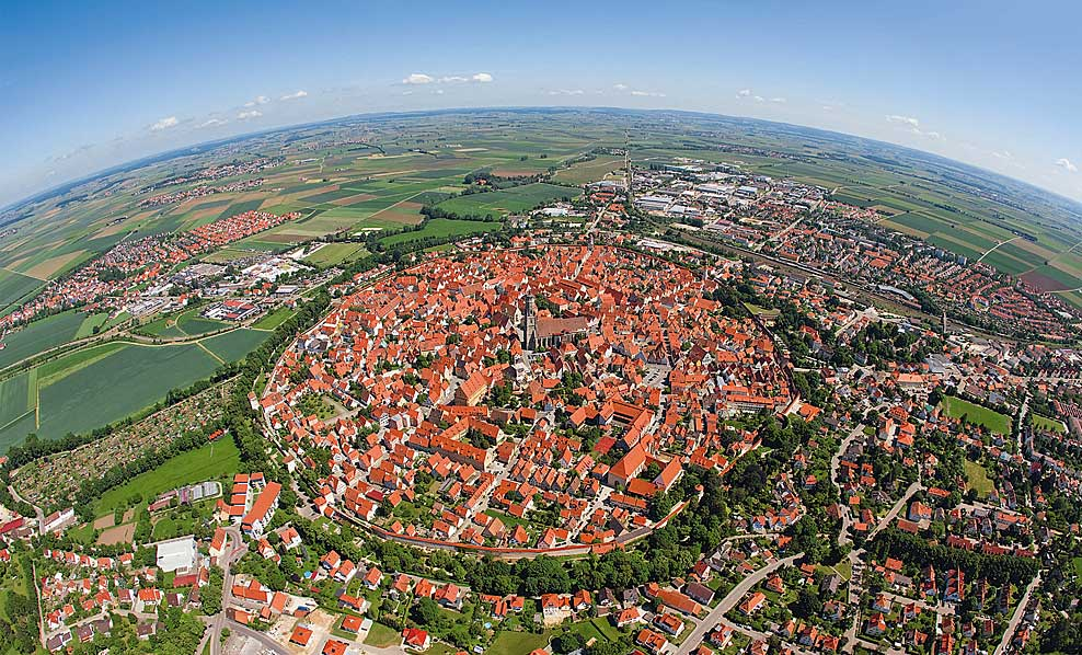 Nördlingen, a town in Germany, is built inside a meteor impact crater that is 14 million years old. http://t.co/l0u0zzciIz