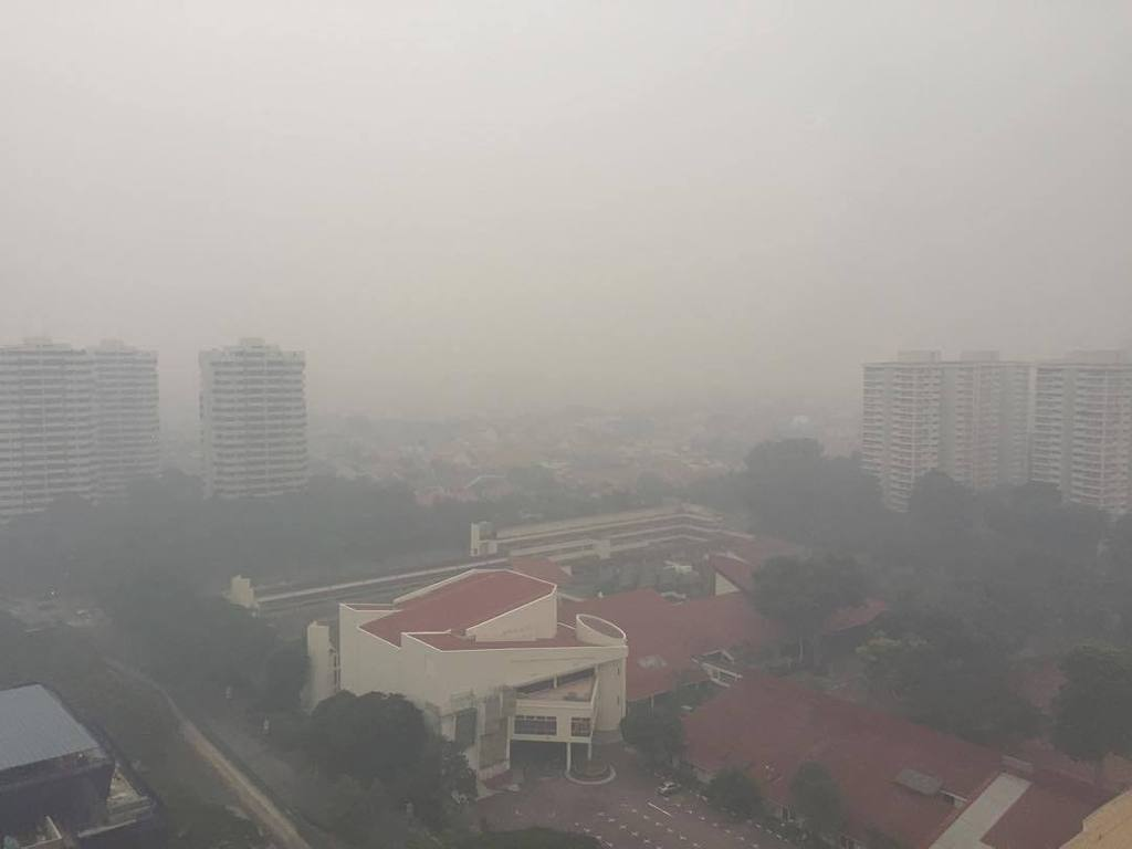 Hello @nea_sg this cannot be 150 #PSI. And you say the East is only 121? #sghaze #sghaze20… http://t.co/z7HN2UanPd http://t.co/rMbBrkm2ws