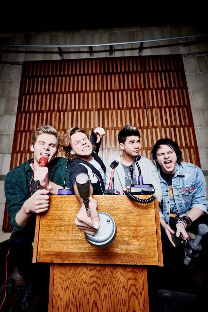 .@5SOS to headline @NovaEntAU's Red Room in Melbourne, hosted by @Smallzy http://t.co/QUcdxT6vTQ http://t.co/QdD6y282q5