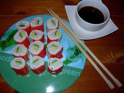 Суши с крабовыми палочками рецепт в домашних условиях