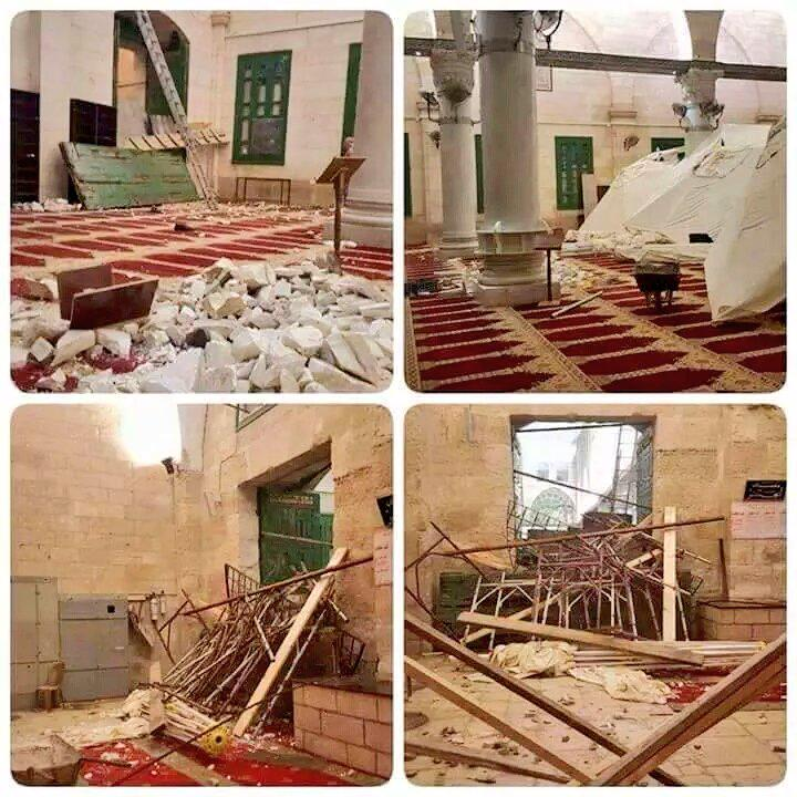 #AlAqsa mosque wrecked after #Israel's attack 3rd day in a row. No respect for religions. That's #democracy & #peace? http://t.co/izt02H3aDi