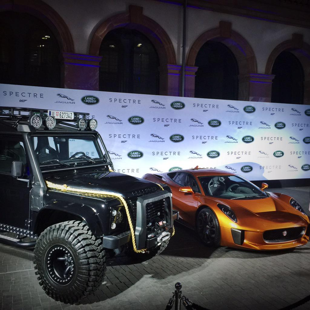 #spectre will be best @007 movie just for that! @landrover + @jaguar + @007 =