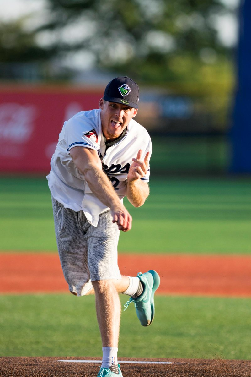 Pat Connaughton, @trailblazers rookie, threw 90 MPH first pitch @HillsboroHops playoff game. (Photo: @JaredRavich) http://t.co/k3qTM2D6dz