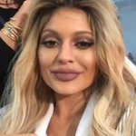 yall pray for kylie jenner, aint nothing wrong with her she just looks like steven tyler http://t.co/6LAkxlWH0R