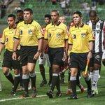 Após erros, CBF afasta 5 bandeirinhas e um árbitro das próximas rodadas do Brasileiro; VEJA: http://t.co/Bt0UB76NIJ http://t.co/b8olLQPWQb