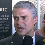 Incomodado com erros de arbitragem, presidente do @FluminenseFC vai reclamar na CBF. Em: http://t.co/6M04518rzK http://t.co/7suQ5x5PEK