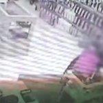 Vídeo: homem é flagrado furtando vibrador de sex shop em São José dos Campos, SP http://t.co/1Dx1QdRG9V http://t.co/FbmJSflIr8