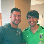 Its Tebow Time! Kaka and @Eagles quarterback Tim Tebow posed for a picture together: http://t.co/nNJeTY9CmA http://t.co/9OD0c1mcaL