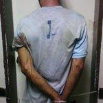 """El Robin"" (33a) fue capturado luego de robar en un restaurante, presenta amplio prontuario. Coro #McpioMiranda. http://t.co/Ep5kTuoFl5"