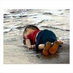 Amén, por el, por los niños de los que no se habla,por la gente.. Aylan, la guerra lo mató el mar lo ahogó ???????????? http://t.co/zfZOUcoF1o