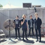 """@logan5sauce: Never before seen photo of 5sos and their only fan http://t.co/vf5PmMhJs7""😂😂 @5SOS"