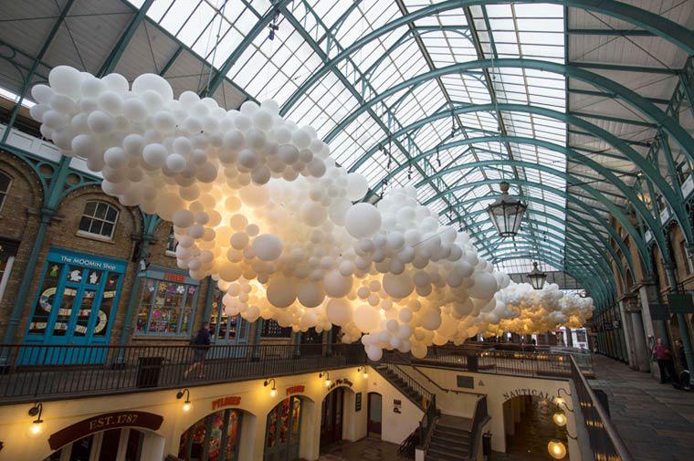 Charles Pétillon's 100000 ballons. #NFTO http://t.co/kyAONBvNC9