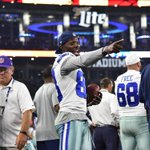 .@DezBryant being Dez on the sideline #HOUvsDAL http://t.co/iA6couE6OV