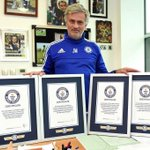 Lampard, Mourinho... and Chris Smalling are all now Guinness World Record holders http://t.co/Jf8tT0CvQ2 http://t.co/Wl0gm1zzry