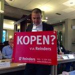 Dé lokale #makelaar uit #Apeldoorn is @Jeroen_Reinders @HuisvanReinders die hier een bord onder zn kop houdt #kopen? http://t.co/C6wTK3VMEp