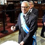 #Guatemala swears in new president as ex-leader detained http://t.co/sULihTFIlX #GuatemalaDecide http://t.co/4FoKJGQXQA