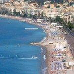 """Les Niçois ne sont """"pas sympas du tout"""" selon un classement touristique http://t.co/GCE0Uape1D http://t.co/hm6fwSYTVY"""