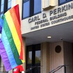 Gay couples will try to wed as defiant clerk sits in jail http://t.co/aWNSwPgkHI http://t.co/SNQrXW36O3