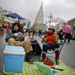 Carmena se carga los exámenes a músicos callejeros de Botella http://t.co/LgaMhy4KHl http://t.co/rHC4fG30tH