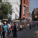 Miles de #refugiados siguen a pie su éxodo http://t.co/N3ESMPfPPf Lo avanza nuestro enviado especial adilolli http://t.co/woeW6HpHIu el…