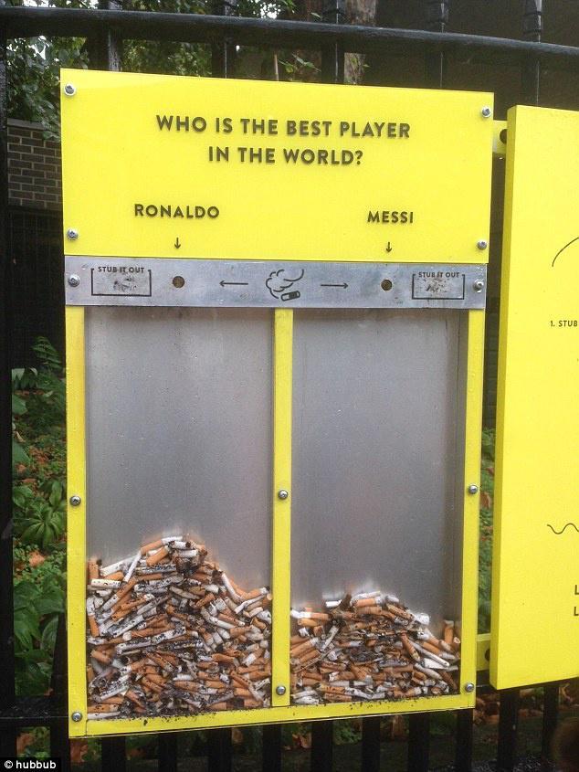 В Лондоне с помощью Месси и Роналду борются с окурками. Британцы окурками выбирают кто из них лучший футболист. http://t.co/DjMEmLlsIy
