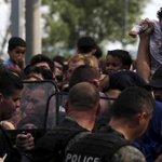 Diez motivos por los que la llegada de #refugiados a Europa va a continuar http://t.co/L7lCNPkkfk #Siria #Lesbos http://t.co/4p9HAmoPJR