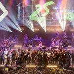 Gracias @Cadena_Dial por estos 25 años de música y vivencias! Gran noche. Besos http://t.co/1Vd7FG6x7a