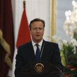 """#ULTIMAHORA Cameron anuncia que Reino Unido acogerá a """"miles"""" de #refugiados sirios más - http://t.co/IiFjnEXLzs http://t.co/biMSDChZgx"""