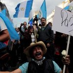 El año en que Guatemala salió a la calle y echó a un gobierno corrupto http://t.co/6wrNgMOnU7 Por @nchientaroli http://t.co/w29aiBQrXP