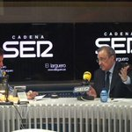 """Florentino Pérez: """"Al United lo que le falta es experiencia"""" http://t.co/QWYpIMf7UR #20m http://t.co/X3aN9BMbYX"""