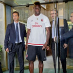 (Video) Balotelli scores once & assists twice on AC Milan debut... - http://t.co/KMZWr5NjkO http://t.co/J06PGgXDY2