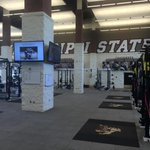 It was an impressive sight in the Iron Dawgs Weight room. The Arms race in the SEC is amazing. Supreme facilities. http://t.co/gILUmjduNP