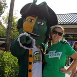 Happy #collegecolors Day! Don your green and gold for a day to celebrate Mason spirit! #wearemason #selfie http://t.co/3d7vvFGx8y